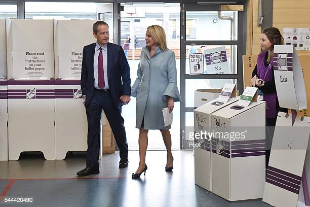 Opposition Leader Australian Labor Party Bill Shorten and his wife Chloe Shorten arrives at Moonee Ponds West Public School polling booth after...