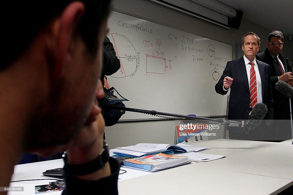 Opposition Leader, Australian Labor Party <a gi-track='captionPersonalityLinkClicked' href=/galleries/search?phrase=Bill+Shorten&family=editorial&specificpeople=606712 ng-click='$event.stopPropagation()'>Bill Shorten</a> visits with students at Swinburne TAFE in Croydon on June 27, 2016 in Melbourne, Australia. The latest Newspoll shows the Coalition has pulled ahead of the Labor Party, less than a week out from the July 2 election. On a two-party preferred basis, the Coalition now leads Labor 51-49, breaking the deadlock from the last poll.