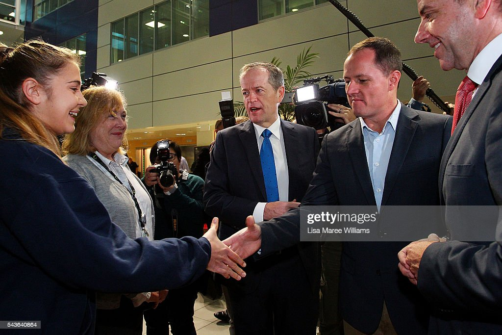 Opposition Leader, Australian Labor Party <a gi-track='captionPersonalityLinkClicked' href=/galleries/search?phrase=Bill+Shorten&family=editorial&specificpeople=606712 ng-click='$event.stopPropagation()'>Bill Shorten</a> (C) visits with staff at the Royal Brisbane and Women's Hospital on June 30, 2016 in Brisbane, Australia. <a gi-track='captionPersonalityLinkClicked' href=/galleries/search?phrase=Bill+Shorten&family=editorial&specificpeople=606712 ng-click='$event.stopPropagation()'>Bill Shorten</a> is campaigning heavily on Medicare, promising to make sure it isn't privatised if the Labor Party wins the Federal Election on July 2.