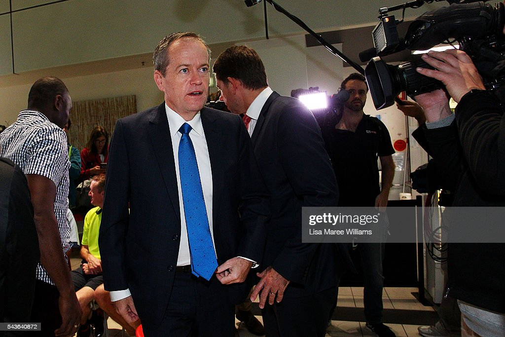 Opposition Leader, Australian Labor Party <a gi-track='captionPersonalityLinkClicked' href=/galleries/search?phrase=Bill+Shorten&family=editorial&specificpeople=606712 ng-click='$event.stopPropagation()'>Bill Shorten</a> visits with staff at the Royal Brisbane and Women's Hospital on June 30, 2016 in Brisbane, Australia. <a gi-track='captionPersonalityLinkClicked' href=/galleries/search?phrase=Bill+Shorten&family=editorial&specificpeople=606712 ng-click='$event.stopPropagation()'>Bill Shorten</a> is campaigning heavily on Medicare, promising to make sure it isn't privatised if the Labor Party wins the Federal Election on July 2.