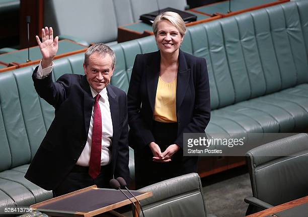 Opposition leader Bill Shorten acknowledges people in the house prior to delivering his budget reply speech on May 5 2016 in Canberra Australia The...