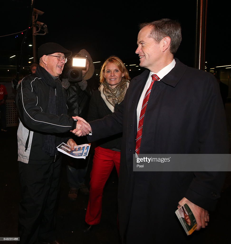 Opposition Leader <a gi-track='captionPersonalityLinkClicked' href=/galleries/search?phrase=Bill+Shorten&family=editorial&specificpeople=606712 ng-click='$event.stopPropagation()'>Bill Shorten</a> shakes hands with a liberal volunteer while with local candidate Peta Murhpy campaigning at Frankston train station on June 27, 2016 in Melbourne, Australia. The latest Newspoll shows the Coalition has pulled ahead of the Labor Party, less than a week out from the July 2 election. On a two-party preferred basis, the Coalition now leads Labor 51-49, breaking the deadlock from the last poll.