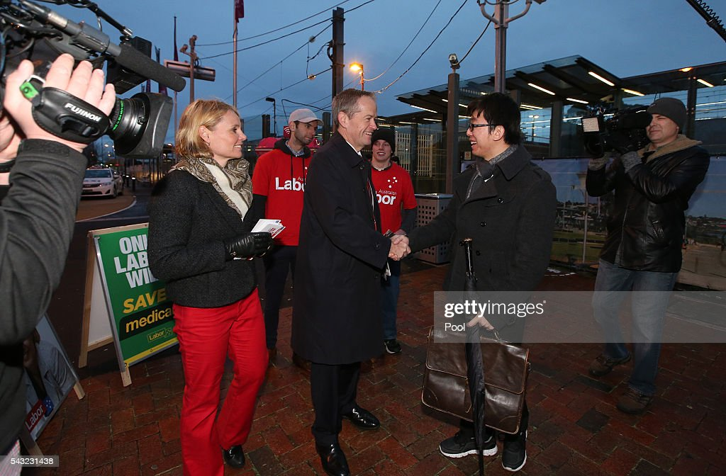 Opposition Leader <a gi-track='captionPersonalityLinkClicked' href=/galleries/search?phrase=Bill+Shorten&family=editorial&specificpeople=606712 ng-click='$event.stopPropagation()'>Bill Shorten</a> with local candidate Peta Murhpy campaigning at Frankston train station on June 27, 2016 in Melbourne, Australia. The latest Newspoll shows the Coalition has pulled ahead of the Labor Party, less than a week out from the July 2 election. On a two-party preferred basis, the Coalition now leads Labor 51-49, breaking the deadlock from the last poll.
