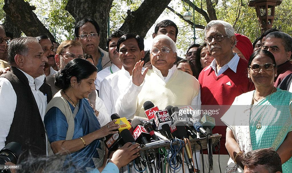 Opposition leaders Sushma Swaraj Sharad Yadav Mulayam Singh Yadav Lalu Prasad Yadav and Gurdas Dasgupta talk to the media after they walked out of...