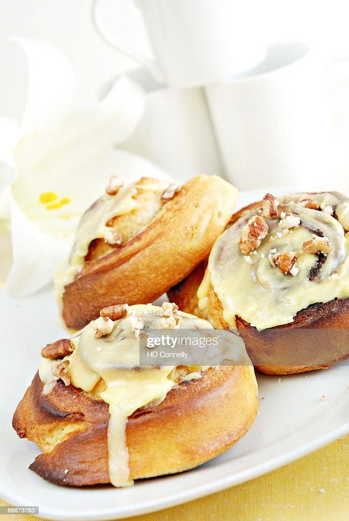 orange-pecan sticky buns : Stock Photo