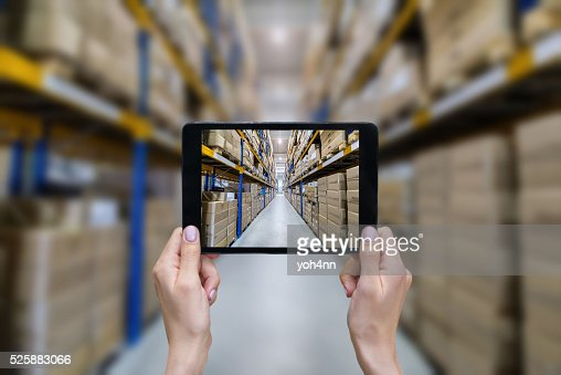 オンラインでの注文から近代的な倉庫