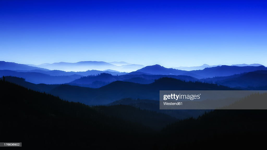 USA, Oregan, View of blue mountains