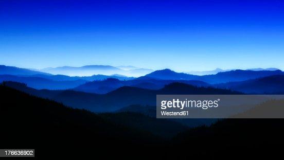 USA, Oregan, View of blue mountains