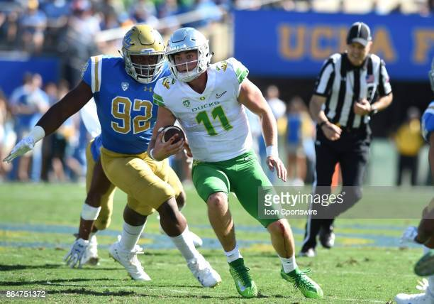 Oregon Braxton Burmeiser runs the ball during a college football game between the Oregon Ducks and the UCLA Bruins on October 21 2017 at the Rose...