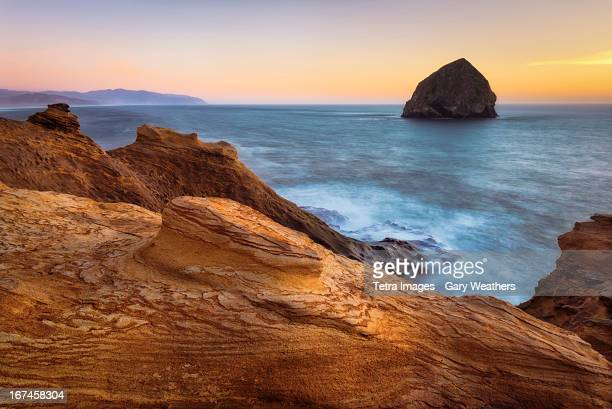 USA, Oregon, Cape Kiwanda, Rocky coastline