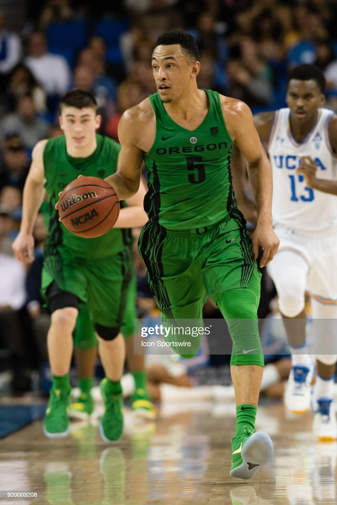 Oregon Ducks guard Elijah Brown (5) dribbles up the court during the game between the Oregon Ducks and the UCLA Bruins on February 17, 2018, at Pauley Pavilion in Los Angeles, CA.