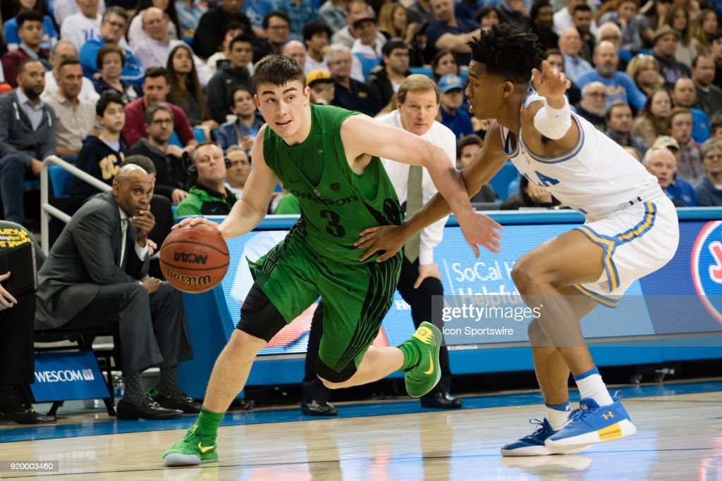 Oregon Ducks guard Payton Pritchard (3) drives into the basket during the game between the Oregon Ducks and the UCLA Bruins on February 17, 2018, at Pauley Pavilion in Los Angeles, CA.