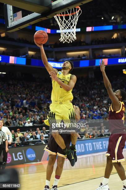 Oregon Ducks Tyler Dorsey elevates for a layup during the second half of the Oregon Ducks game versus the Iona Gaels in their NCAA Division I Men's...