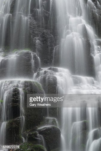 USA, Oregon, Fairy Falls, Close-up of rocky waterfall