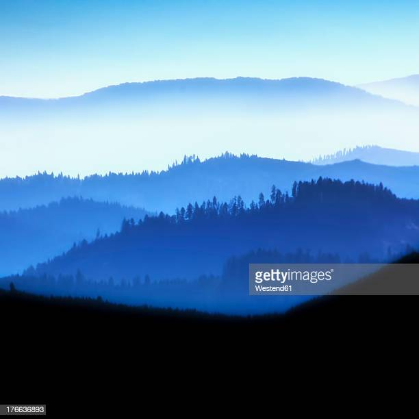 USA, Oregon, View of blue mountains