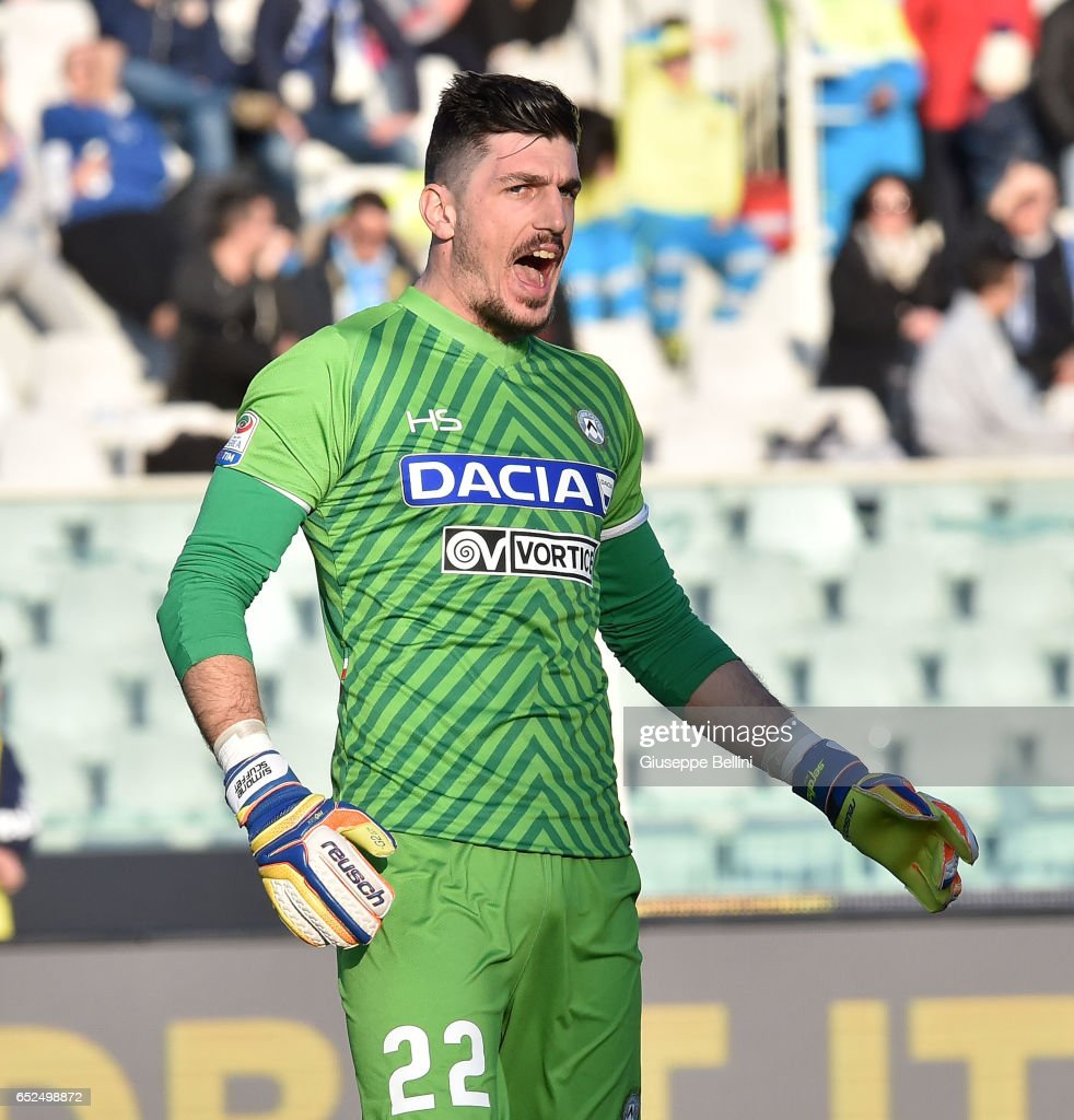 Orestis Karnezis of Udinese Calcio during the Serie A match between Pescara Calcio and Udinese Calcio at Adriatico Stadium on March 12, 2017 in Pescara, Italy.