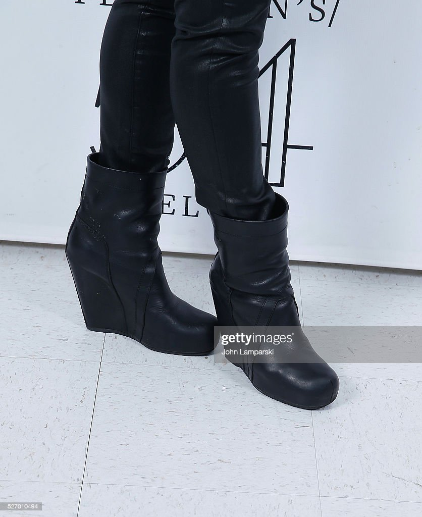 Orfeh, shoe detail, attends Broadway Acts For Women:a star-studded kight of karaoke and comedy at 54 Below on May 1, 2016 in New York City.