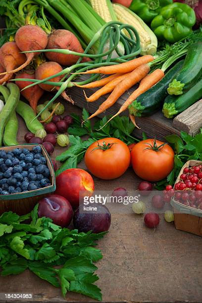 Organic fruits and vegetables at farmers' market
