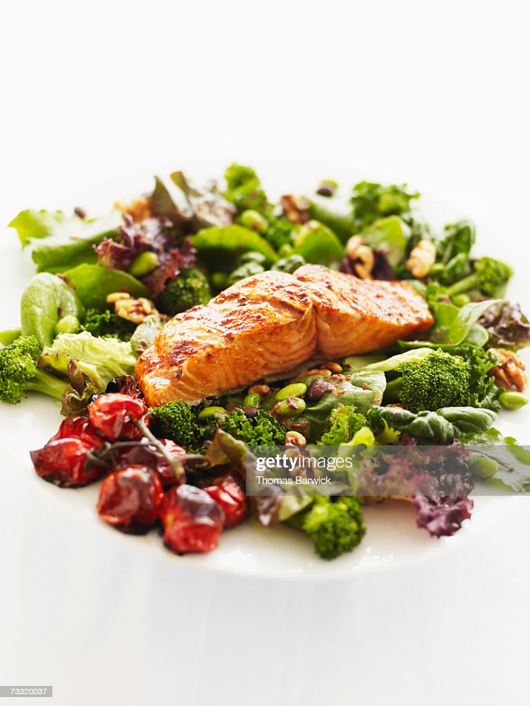 Organic salmon with fresh salad