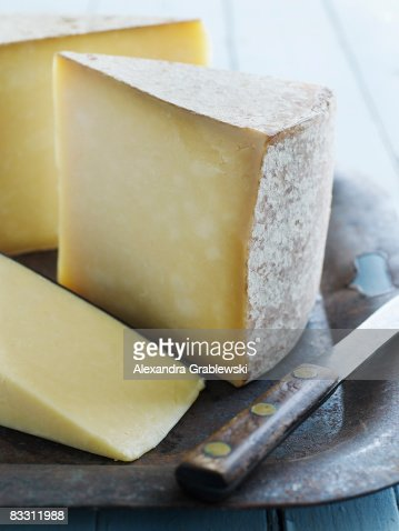 Organic Vermont Cheddar Cheese : Stock Photo