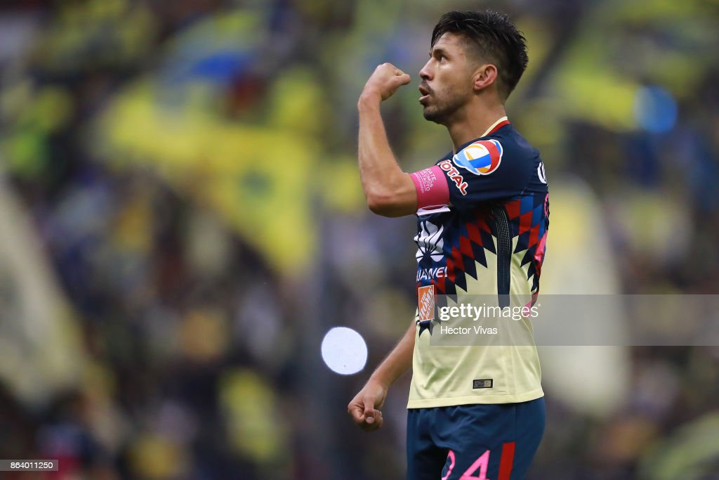 Oribe Peralta of America celebrates after scoring the first goal of his team during the 10th round match between America and Chivas as part of the Torneo Apertura 2017 Liga MX at Azteca Stadium on October 18, 2017 in Mexico City, Mexico.