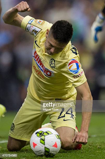 Oribe Peralta of America reacts during a Championship first leg match between America and Montreal Impact as part of CONCACAF Champions League 2014...