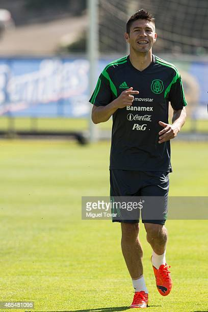 Oribe Peralta of Mexican National soccer team warms up during a training session at CAR on January 27 2014 in Mexico City Mexico The team is...
