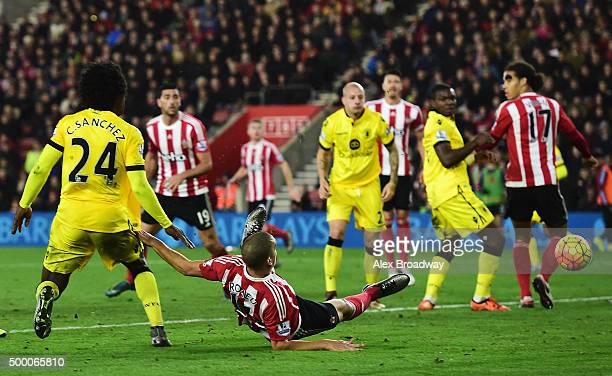 Oriol Romeu of Southampton scores his team's first goal during the Barclays Premier League match between Southampton and Aston Villa at St Mary's...