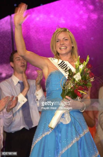 Orla Tobin from Dublin after winning the 2003 Rose of Tralee International Festival a personality contest for young women of Irish heritage in Tralee...