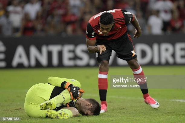 Orlando Berrío of Flamengo yells with Júlio César of Fluminense during the match between Fluminense and Flamengo as part of Brasileirao Series A...