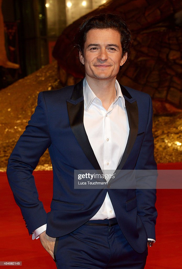 <a gi-track='captionPersonalityLinkClicked' href=/galleries/search?phrase=Orlando+Bloom&family=editorial&specificpeople=202520 ng-click='$event.stopPropagation()'>Orlando Bloom</a> attends the German premiere of the film 'The Hobbit: The Desolation Of Smaug' (Der Hobbit: Smaugs Einoede) at Sony Centre on December 9, 2013 in Berlin, Germany.
