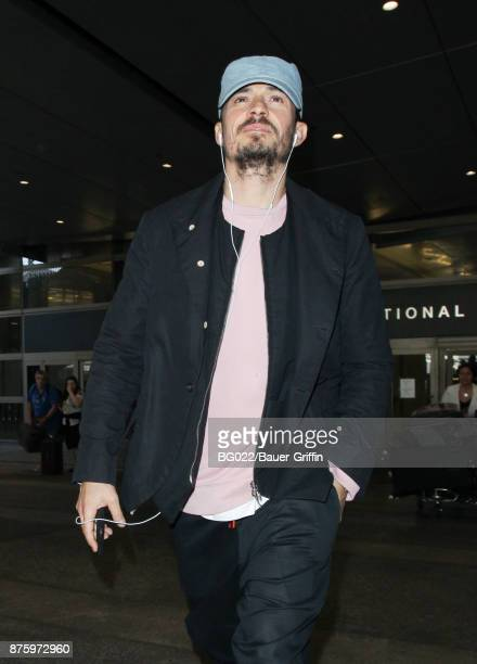 Orlando Bloom is seen at LAX on November 18 2017 in Los Angeles California