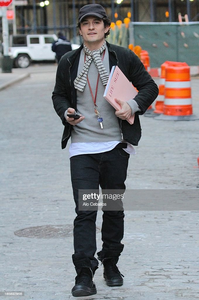 <a gi-track='captionPersonalityLinkClicked' href=/galleries/search?phrase=Orlando+Bloom&family=editorial&specificpeople=202520 ng-click='$event.stopPropagation()'>Orlando Bloom</a> is seen in Tribeca on October 25, 2013 in New York City.