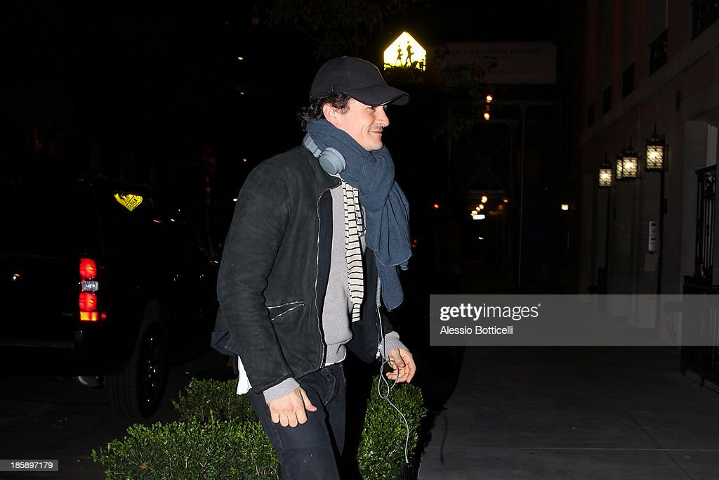<a gi-track='captionPersonalityLinkClicked' href=/galleries/search?phrase=Orlando+Bloom&family=editorial&specificpeople=202520 ng-click='$event.stopPropagation()'>Orlando Bloom</a> seen on the streets of lower Manhattan on October 25, 2013 in New York City. Bloom, who is currently starring in 'Romeo & Juliet' on Broadway, and his model wife Kerr announced today in a joint statement that they have amicably separated.