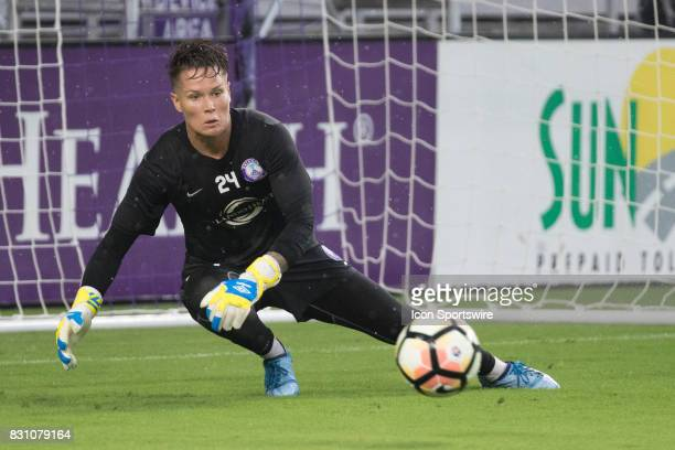 Orlando Pride goalkeeper Ashlyn Harris warms up before the NWSL soccer match between the Orlando Pride and Sky Blue FC on August 12 2017 at Orlando...