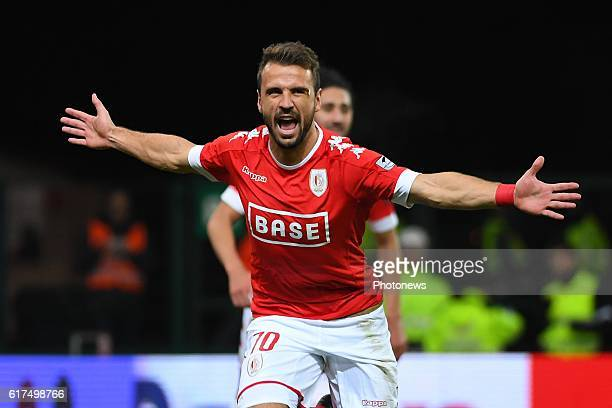 Orlando Sa forward of Standard Liege scores a goal during the Jupiler Pro League match between Standard de Liege and Waasland Beveren on October 23...