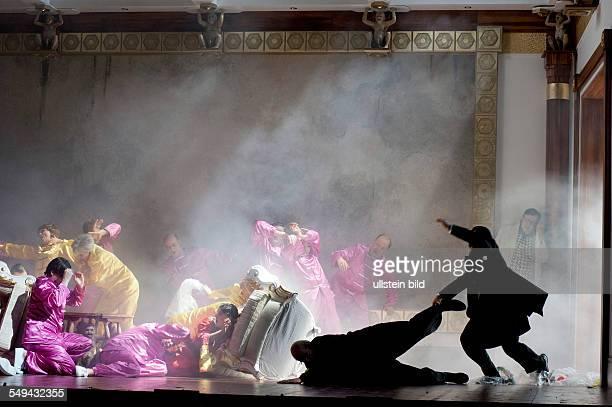 Komische Oper Berlin Titel Das bronzene Pferd AutorDaniel Francois Esprit Aubert Eugene Scribe Musikalische Leitung Maurizio Barbacini Insz Frank...
