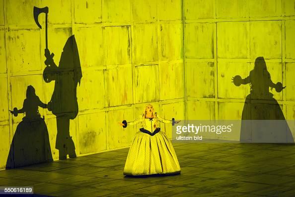 Staatsoper im Schillertheater Berlin Titel Il Trovatore Autor Giuseppe Verdi Musikal Leitung Daniel Barenboim Insz Philipp Stoelzl Buehne Conrad...