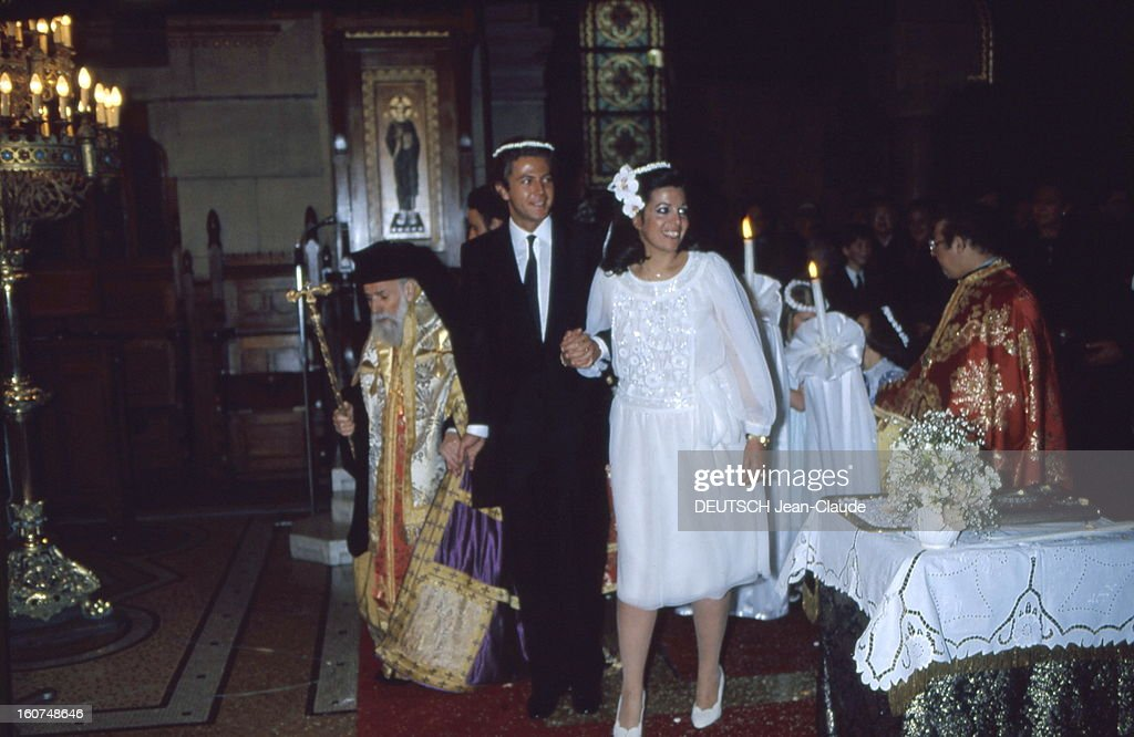 Orthodox Wedding For <a gi-track='captionPersonalityLinkClicked' href=/galleries/search?phrase=Christina+Onassis&family=editorial&specificpeople=206928 ng-click='$event.stopPropagation()'>Christina Onassis</a> And Thierry Roussel. Attitude souriante de Christina ONASSIS et son mari Thierry ROUSSEL, main dans la main, le jour de leur mariage selon le rite orthodoxe dans la cathédrale grecque de PARIS.