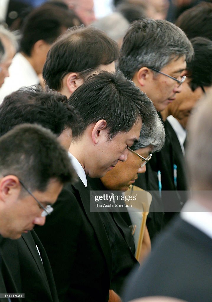Osaka Mayor <a gi-track='captionPersonalityLinkClicked' href=/galleries/search?phrase=Toru+Hashimoto&family=editorial&specificpeople=4847016 ng-click='$event.stopPropagation()'>Toru Hashimoto</a> attends the peace memorial to mark the 68th anniversary of the termination of the Battle of Okinawa at Okinawa Peace Memorial Park on June 23, 2013 in Itoman, Okinawa, Japan. During the 3-month ground battle at the end of World War II, more than 200,000 people were killed.