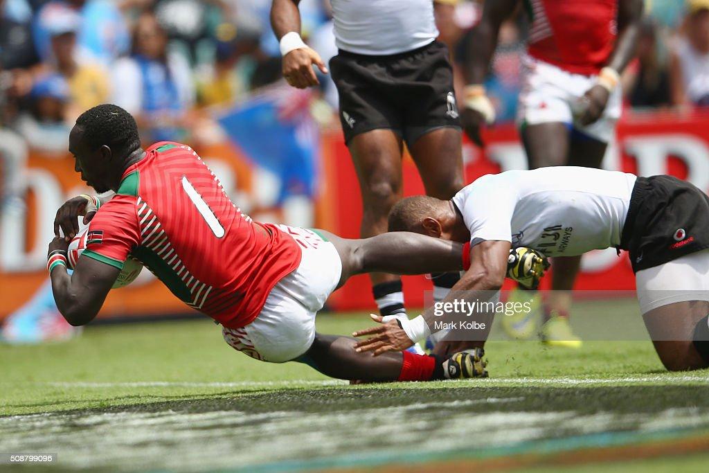 Oscar Ayodi of Kenya scores a try during the 2016 Sydney Sevens cup quarter final match between Fiji and Kenya at Allianz Stadium on February 7, 2016 in Sydney, Australia.