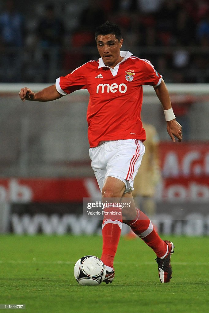 Oscar Cardozo of SL Benfica in action during a pre season friendly match between SL Benfica and Olympique Marseille at Estadio Tourbillon on July 13, 2012 in Sion, Switzerland.