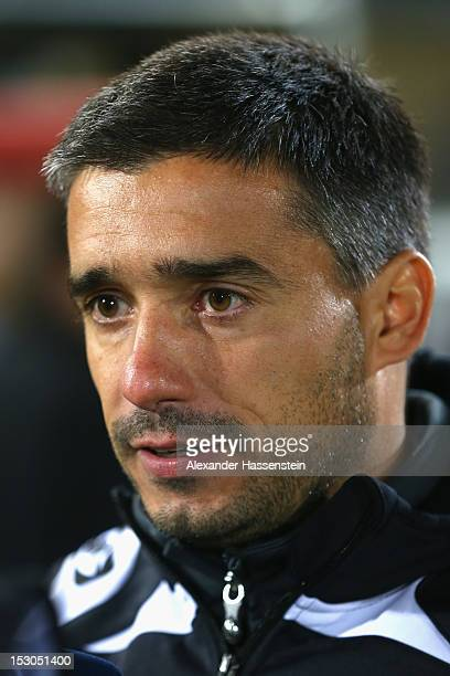 Oscar Corrochano head coach of Regensburg looks on during the Second Bundesliga match between Jahn Regensburg and FC St Pauli at Jahnstadion on...