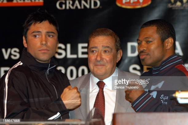 Oscar De La Hoya Bob Arum 'Sugar' Shane Mosley during De La Hoya vs Mosley World Super Welterweight Championship Press Conference at MGM Grand Hotel...