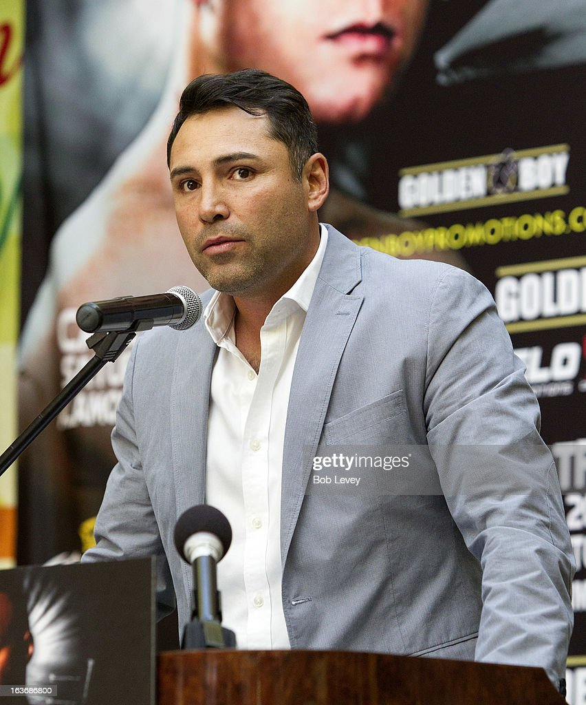Oscar De La Hoya of Golden Boy Promotions speaks to the crowd to promote the upcoming championship fight between Canelo Alvarez and Austin 'No Doubt' Trout to unify the 154-pound super welterweight division durng a press conference on March 14, 2013 in Houston, Texas.