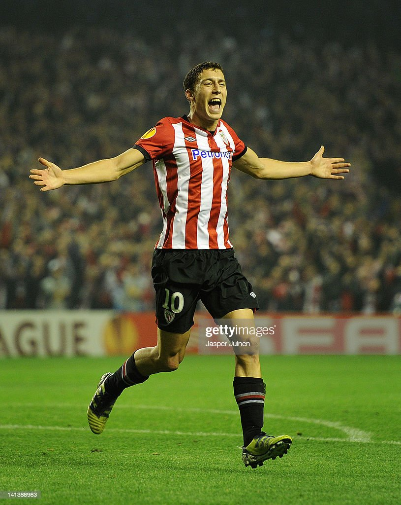 Oscar de Marcos of Athletic Bilbao celebrates scoring his sides second goal during the UEFA Europa League Round 16 second Leg match between Athletic Bilbao and Manchester United at the San Mames stadium on March 15, 2012 in Bilbao, Spain.