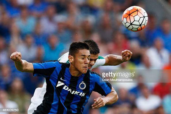 Oscar Duarte of Club Brugge challenges for the headed ball with Efstathios Tavlaridis of Panathinaikos during the third qualifying round 2nd Leg UEFA...