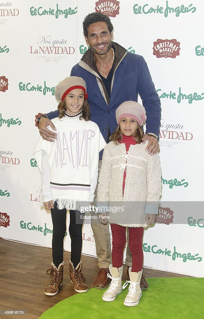 <a gi-track='captionPersonalityLinkClicked' href=/galleries/search?phrase=Oscar+Higares&family=editorial&specificpeople=3558100 ng-click='$event.stopPropagation()'>Oscar Higares</a> attends El Corte Ingles Christmas space party photocall at El Corte Ingles store on November 19, 2013 in Madrid, Spain.