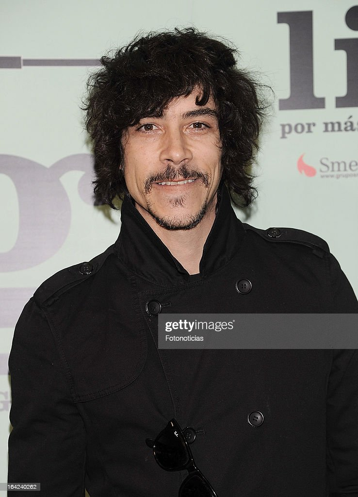 <a gi-track='captionPersonalityLinkClicked' href=/galleries/search?phrase=Oscar+Jaenada&family=editorial&specificpeople=789204 ng-click='$event.stopPropagation()'>Oscar Jaenada</a> attends the premiere of 'Lifting' at the Infanta Isabel theatre on March 21, 2013 in Madrid, Spain.
