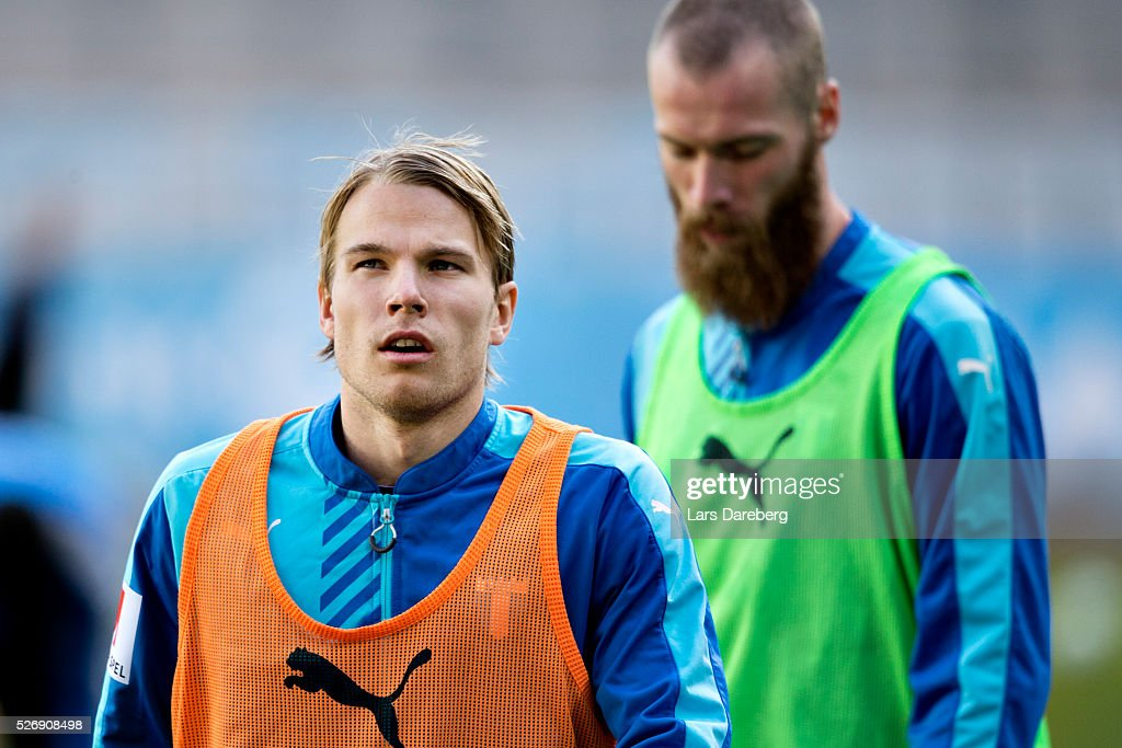 Oscar Lewicki of Malmo FF before the Allsvenskan match between Malmo FF and BK Hacken at Swedbank Stadion on May 1, 2016 in Malmo, Sweden.